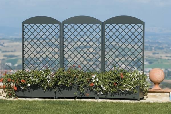 Fioriere da balcone fioriere e vasi for Divisori giardino