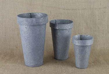 Vasi in ferro fioriere e vasi for Vasi arredo giardino