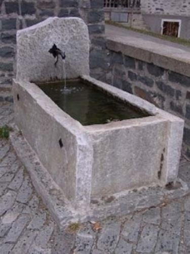 Fontana in pietra fontane - Fontana in pietra da giardino ...