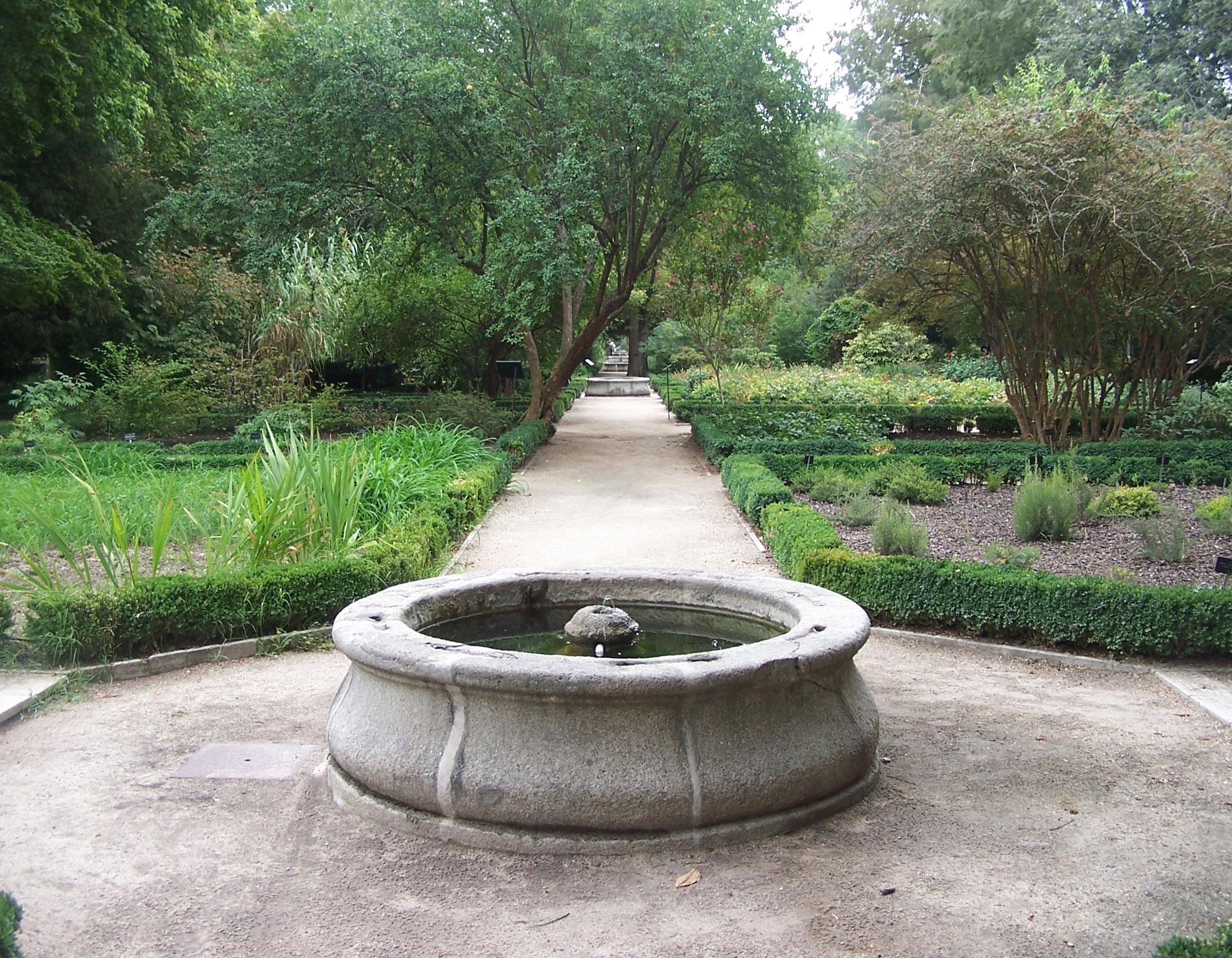 Fontane da giardino fontane fontane per arredare il for Fontane da arredo