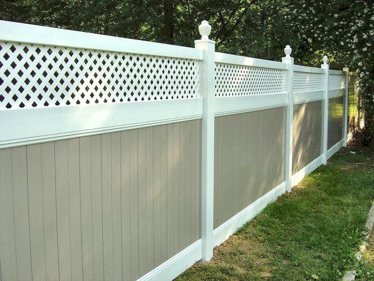 recinzione in pvc bianco e legno