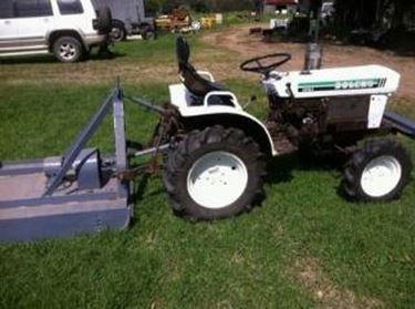 Attrezzi da giardino trattorini autos weblog for Attrezzi da giardino usati