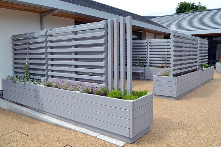 Grigliati in legno grigliati per giardino grigliate in for Divisori per terrazzi