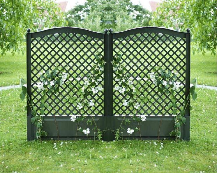 Grigliati pvc grigliati per giardino tipologie di for Grate in legno per balconi