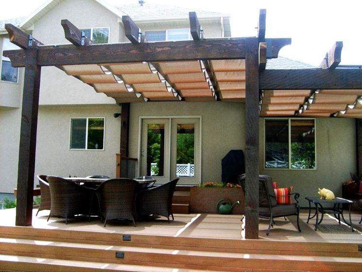 Verande in legno pergole le verande in legno - Verande da giardino in legno ...