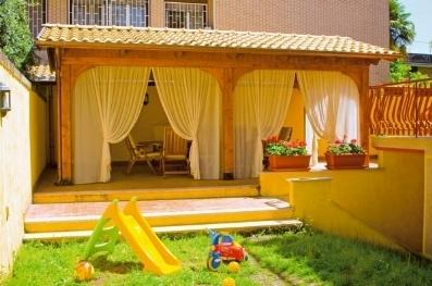 Vendita tettoie tettoie da giardino for Baite in legno da 2 letti in vendita