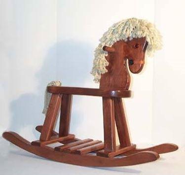 Esempio di cavallo a dondolo