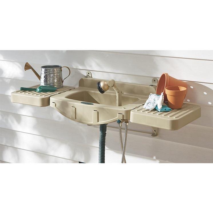 Lavello da giardino usato design casa creativa e mobili - Mobili per lavello ...