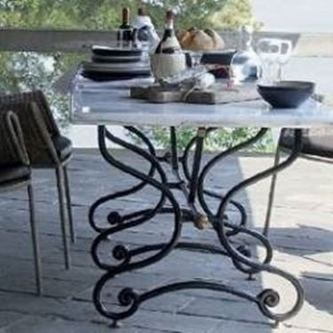 tavolo in ferro e marmo