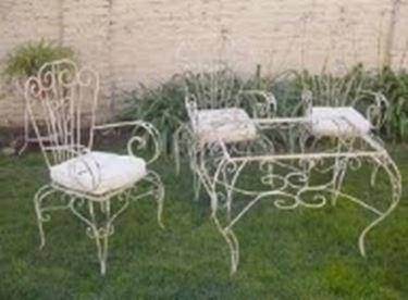 Tavoli da giardino in ferro battuto tavoli per giardino - Canne usate per realizzare sedie e tavoli ...