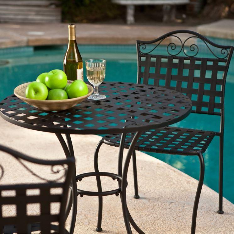 Tavoli da giardino in ferro tavoli per giardino tavoli for Tavoli da giardino in ferro