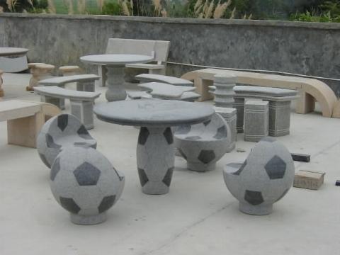 Tavoli In Granito Da Esterno.Tavoli Da Giardino In Pietra Tavoli Per Giardino