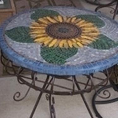Tavoli mosaico da giardino tavoli per giardino for Tavolo rotondo mosaico