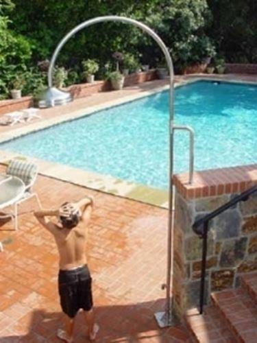 Docce arredamento piscine - Doccia solare per piscina ...