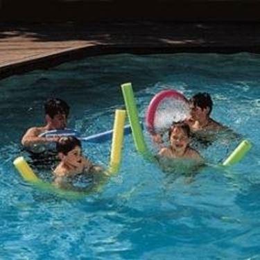 Giochi in piscina piscine - Rete pallavolo piscina ...