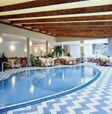 Benefici della piscina con idromassaggio