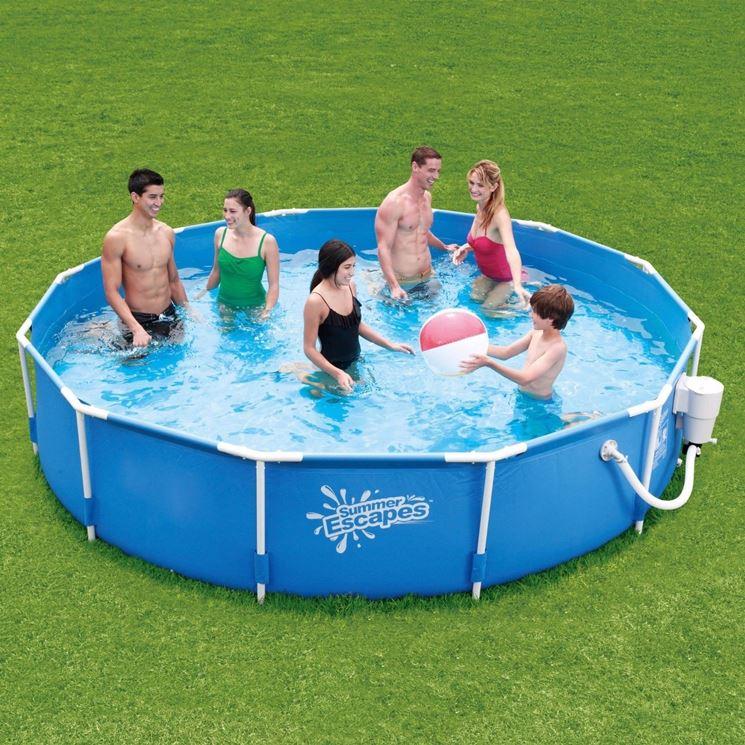 modello di piscina economica