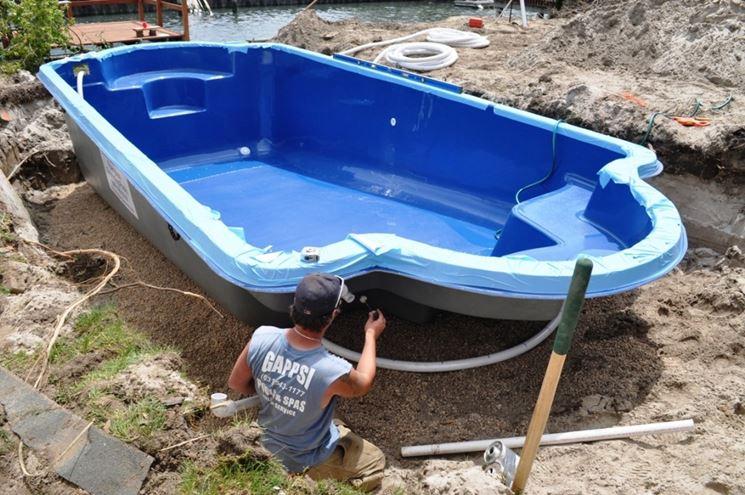 Piscine in vetroresina piscine modelli e vantaggi for Piscine leisure pools