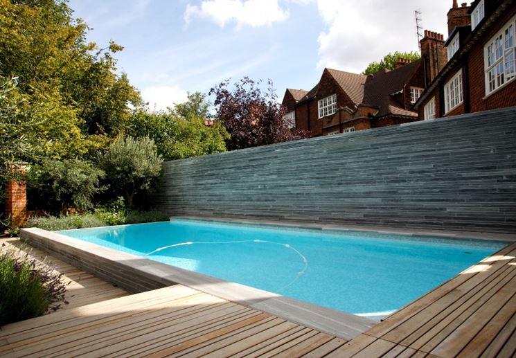 giochi in piscina - piscine - giochi da fare in piscina - Come Arredare Un Giardino Con Piscina