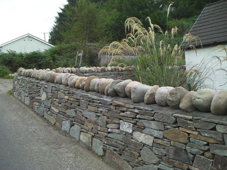 Muretti per giardini elementi progettazione giardini - Mattonato per giardino ...