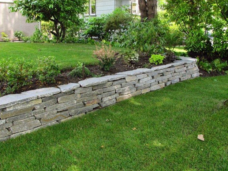 Muretti per giardini elementi progettazione giardini - Muretti in pietra giardino ...